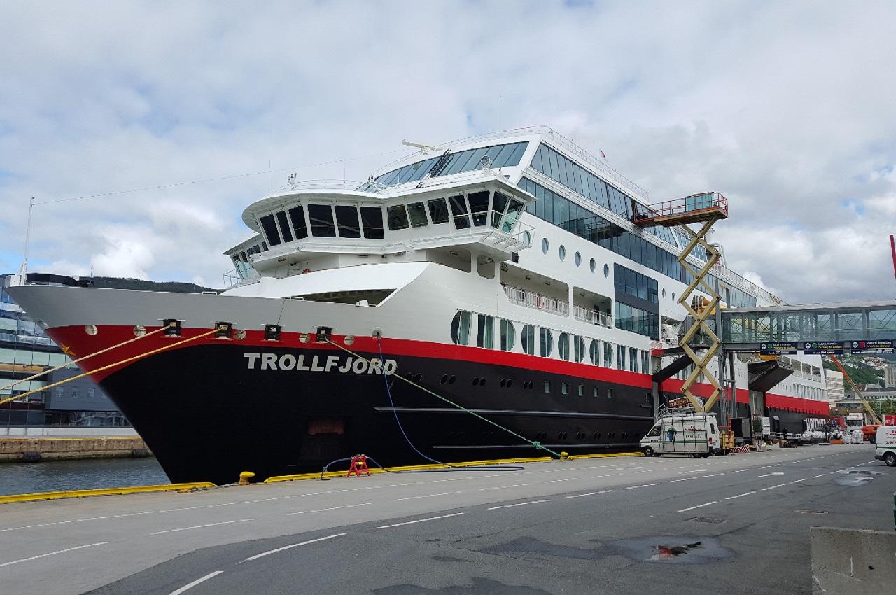 MS Trollfjord til slider 1280x850.jpg